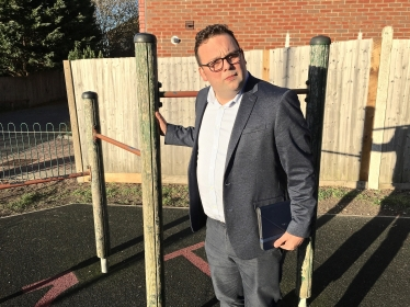 Cllr Rob Lee in Carnoustie Close